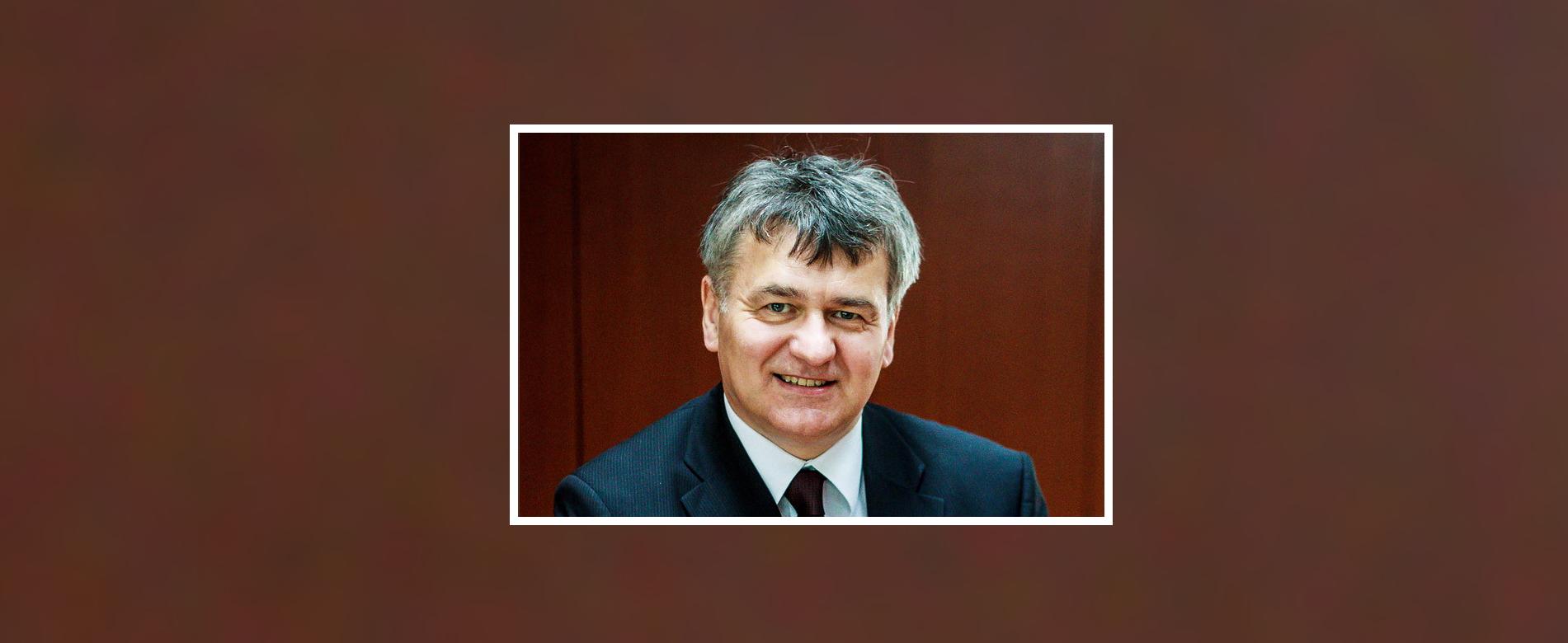 Magyary Zoltán Emlékérem kitüntetésben részesült Lentner Csaba